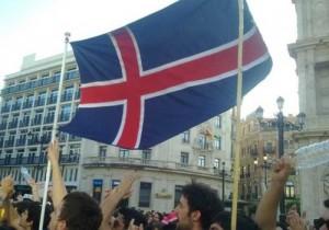 En medio de la crisis de Grecia, Islandia surge tras decidir no pagar su deuda.