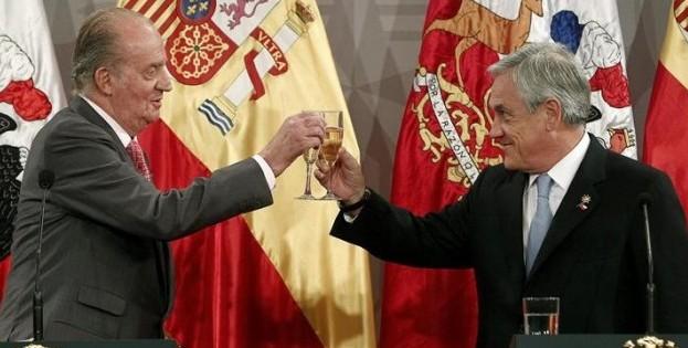 Rey-y-piñera-brindan-e1338936498639