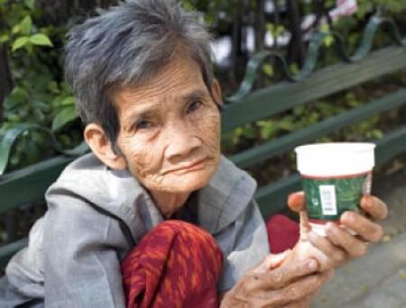 anciana pobre