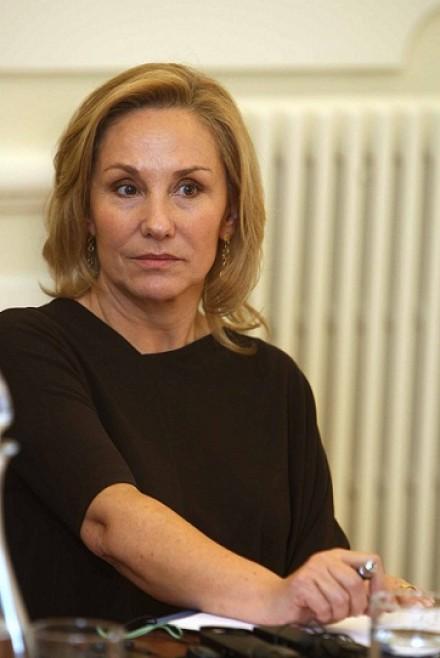 Cecilia Morel con expertos