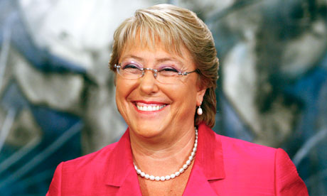 Bachelet pico en el ojo