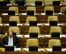 VAGOS Y LADRONES: Parlamentarios chilenos son por lejos los más caros de América Latina