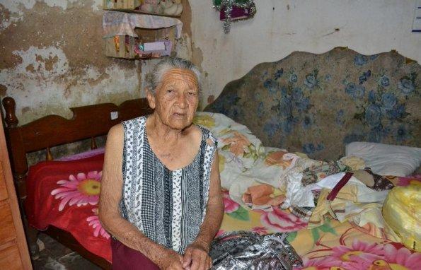 ancianita pobre