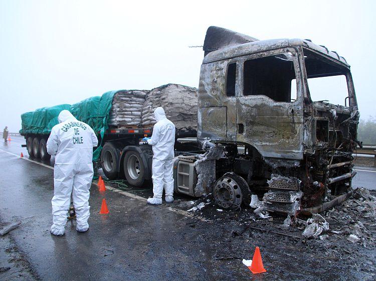 camion quemado 1