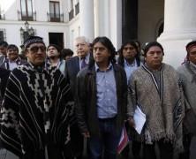 No eran Camioneros: Ministro Burgos no recibió a dirigentes Mapuche que fueron a La Moneda
