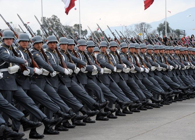Valientes Narcotraficantes  Incautan cargamento de cocaína en container del  Ejército de Chile 15747d834b6