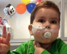 Pro Vida: Hospital UC le pidió a los padres de León Smith firmar un pagaré para atenderlos