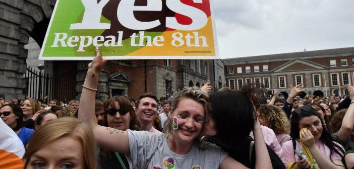 Los fachos se quedan atrás: Irlanda, el país más católico del mundo, votó masivamente a favor de legalizar el aborto