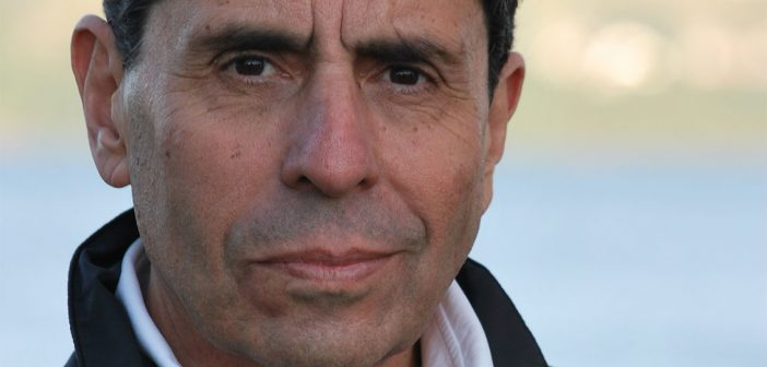 La historia completa de un farsante: Mauricio Rojas jamás militó en el MIR, promovió el fascismo en Suecia y traicionó hasta a su madre