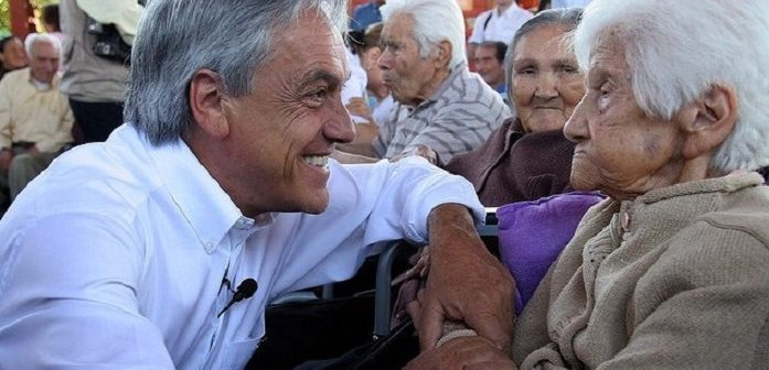 piñera chanta ancianita pulental