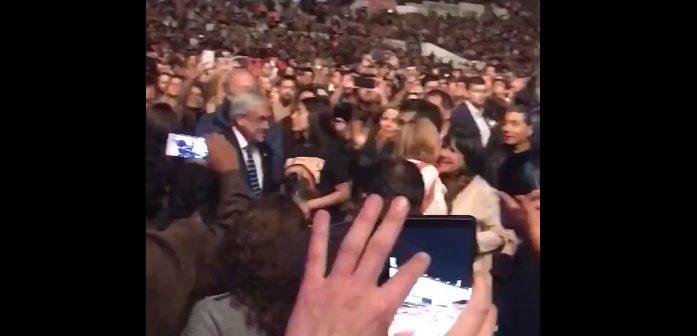 """""""Facho conchetumadre"""" """"Ladrón culiao"""" Cientos de personas decentes funaron a Piñera en el concierto de Paul McCartney"""