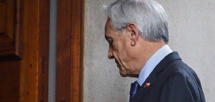 piñera renuncia 323a