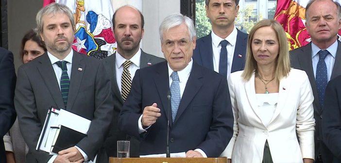 piñera renuncia 374