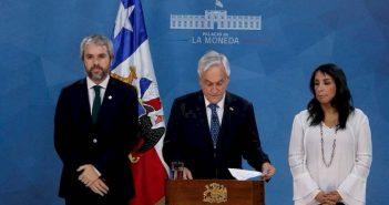 piñera renuncia 327